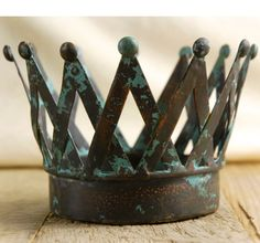 "Metal Slat Crown $18 each / 3 for $17 each     Use it as a candle holder or decor. You can also flip it over to use as a pedestal.    6.25 x 6 x4    Metal with painted patina  6.25"" tall   base 4.25"""