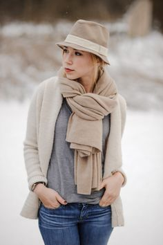 Kayley - Sidewalk Ready : Love the neutral on neutral tones and the way she wrapped her scarf - I want to buy you this outfit!!