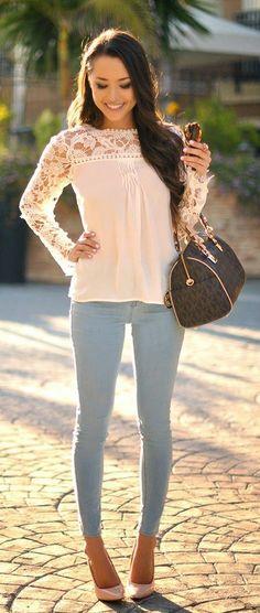 camisa com renda + cigarrete + scarpin