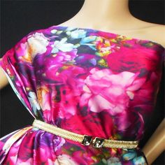 Best+Quality+16+momme+Silk+Chameuse+Fabric  Item+code:+dsp3308  Color:++99.9%+photo+quaility+Digital+Prints-+Gorgeous+Hot+Red+Pinks+Flowers+Pattern    actual+colors+might+slight...