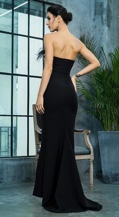 Inspires in beautifulness long formal dresses or colorized short cocktail party dresses from our collection of featured wedding guest dresses, semi-formal dresses, charmed evening gowns for military balls, as well as short casual dresses. #prom #promdresses #dresses #dress #elegantdresses Semi Formal Dresses, Elegant Dresses, Pretty Dresses, Strapless Dress Formal, Casual Dresses, Black Maxi, Dress Black, Long Sequin Dress, Party Dress Outfits