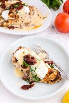 This Copycat Carrabba's Chicken Bryan is a family favorite. The lemon butter sauce with fresh basil and sun-dried tomatoes is truly amazing. Yummy Chicken Recipes, Crockpot Recipes, Great Recipes, Dinner Recipes, Favorite Recipes, Family Recipes, Copycat Recipes, Easy Recipes, Family Fresh Meals