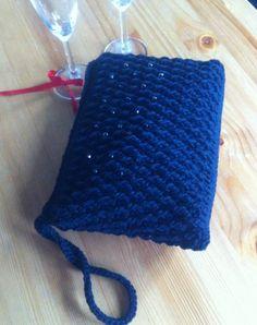 pochette crochet https://www.facebook.com/anna.bruno.9469?ref=stream