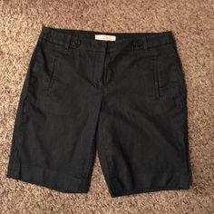 Loft Size 6 Polished Denim Walking Bermuda Shorts Loft Size 6 Polished Denim Walking Bermuda Shorts. Has hook and button closure and button is loose, but still there. Lying flat, the shorts measure 16 inches across waist and 9 inch inseam. Other than loose inner button, EUC. LOFT Shorts Bermudas