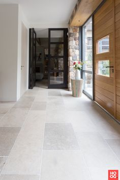 Kersbergen Natuursteen Vloeren - Bourgondisch natuursteen vloertegels binnen het nieuwbouwhuis - Hoog ■ Exclusieve woon- en tuin inspiratie.