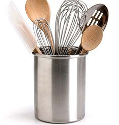 Cooking Utensils To store wooden spoons and other frequently used cooking tools, one of the easiest solutions also works best: Stash them in a wide canister that you leave next to the stove. Cooking Utensils, Cooking Tools, Kitchen Utensils, Diy Kitchen, Kitchen Interior, Kitchen Design, Kitchen Cleaning, Kitchen Ideas, Kitchen Organization