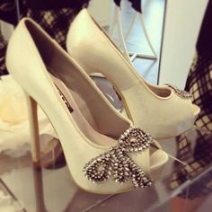 Vera wang bridal shoes : kinda wish they weren't peep toe but they are gorgeous!