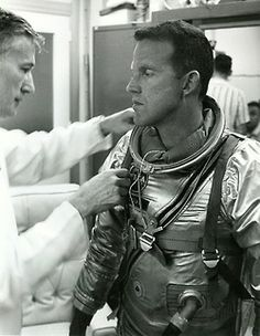 a little unknown story Apollo Space Program, Nasa Space Program, Astronauts In Space, Nasa Astronauts, Gordon Cooper, Project Mercury, Nasa Photos, Nasa History, Space Projects