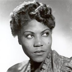 TIL about Sister Roberta Tharpe a black female gospel singer/guitarist who influenced early rock-and-roll musicians like Little Richard Johnny Cash Carl Perkins Chuck Berry Elvis Presley and Jerry Lee Lewis. Rock N Roll Music, Rock And Roll, 20th Century Music, History Class, Women's History, History Books, History Facts, Rhythm And Blues, Jazz Blues