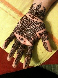 when we think of mehndi, first comes to our mind is to apply it on the palm. Here we have the collection of 15 best palm mehndi designs for this Mehandi Designs, Mehndi Designs Finger, Mehndi Designs For Fingers, Best Mehndi Designs, Henna Tattoo Designs, Tattoo Ideas, Mehndi Tattoo, Mehandi Henna, Jagua Henna