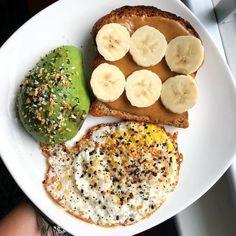 Easy Healthy Breakfast Ideas & Recipe to Start Exc. Easy Healthy Breakfast Ideas & Recipe to Start Excited Day – Healthy Desayunos, Quick Healthy Breakfast, Healthy Meal Prep, Healthy Snacks, Healthy Eating, Simple Healthy Meals, Sunday Breakfast, Healthy Breakfast Sandwiches, Simple Meal Ideas