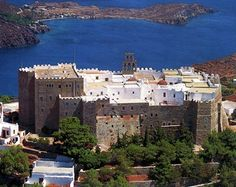 ☼ Grecia Greece ☼ Patmos Isand dodecanese Monastery St John, the Theologian, the Divine, Ayios Ioannis Theologos. Great Places, Places Ive Been, Places To Go, Beautiful Places, Sailing Holidays, Greek Islands, Greece Travel, Athens, Scenery