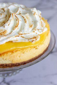Lemon merengue cheesecake - Jenny Alvares Macarons, Food And Drink, Lemon, Pie, Sugar, Sweet, Ethnic Recipes, Cheese Cakes, Desserts