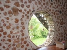 #boiscorde Cabins In The Woods, House In The Woods, House Windows, Windows And Doors, Cordwood Homes, Rustic Home Design, Unusual Homes, Earthship, Construction