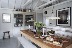 Well equipped rustic style kitchen