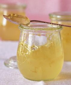 Auf frischen Brötchen oder zur Käseplatte – das liebliche Gelee ist eine Wucht.