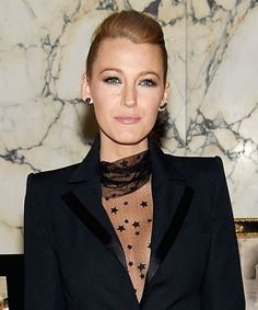 Why Blake Lively's premiere outfit is IMPOSSIBLE to explain without sounding like a crazy person