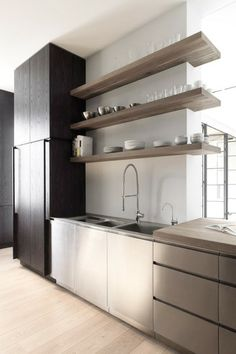 henrybuilt modern kitchen cabinets nice colors and open shelves