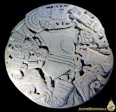 Escultura azteca en el que parece representar la muerte ya que se puede apreciar un cuerpo descuartizado