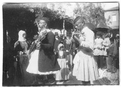 Festival day in Megara Greece Old Pictures, Old Photos, Greek History, Greek Music, Royal Guard, Folk Costume, My Heritage, Greece, Nostalgia