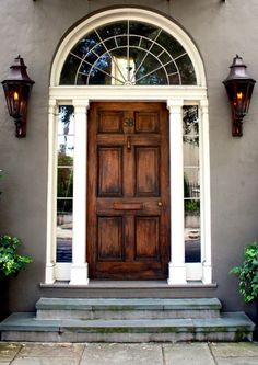 Charleston, South Carolina is home to some amazing historic homes with beauty doors and iron gates. Here are just a few from the famous homes. Front Door Entrance, Door Entryway, Entry Doors, Grand Entrance, Doorway, Garage Doors, Entrance Design, Door Design, Exterior Design