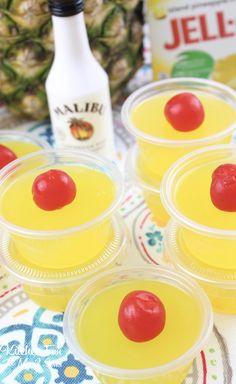 Pina Colada Jello Shots – Super Bowl Party just got a whole lot more fun! Pina Colada Jello Shots Recipe, Best Jello Shots, Jello Shot Recipes, Drinks Alcohol Recipes, Drink Recipes, Alcohol Shots, Super Bowl Party, Body By Vi, Bomb Drinks
