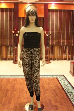 Jumpsuit in tiger print & lace style