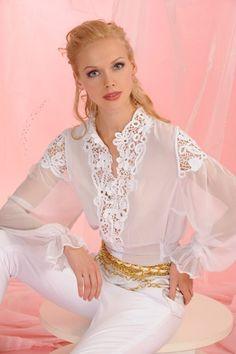 Irish Lace Crochet Patterns and Resources A Bit About Irish Crochet Lace Elisa Cavaletti, Lace Outfit, Sexy Blouse, Irish Lace, Beautiful Blouses, Blouse Vintage, White Outfits, Irish Crochet, Sewing Clothes