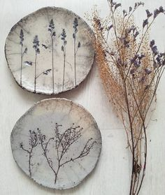 chic tableware, creative DIY tableware, vintage plates. DIY pressed flowers. lavender. ceramic