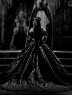 Queen Aesthetic, Princess Aesthetic, Book Aesthetic, Bild Girls, Look Wallpaper, Dark Princess, Dark Fairytale, Dark Queen, Red Queen