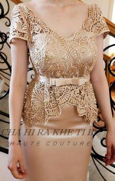 Kebaya Lace, Kebaya Dress, Caftan Dress, Lace Dress, Beautiful White Dresses, Elegant Dresses, Beautiful Outfits, Myanmar Traditional Dress, Traditional Dresses