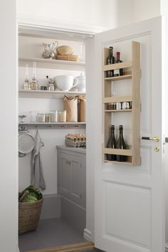 The combined pantry and scullery in the Stora Ek mansion by Beautifully spacious and practical with open shelving. What do you think of the Stora Ek Mansion? Kitchen Pantry, Rustic Kitchen, Nordic Kitchen, Small Pantry, Pantry Design, Kitchen Models, Larder, Room Doors, Open Shelving