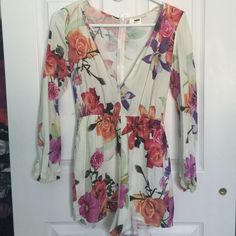 LF Floral Romper NWT. Lightweight, floral print romper perfect for the summer months! LF Other