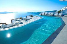 Beautiful pool over the lake