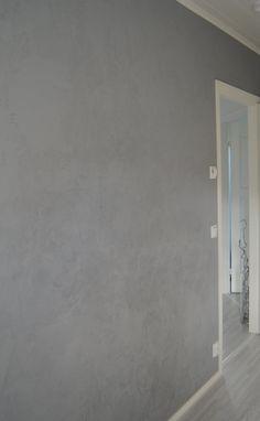 Loppulomasta olen intoutunut kodin pikkuprojekteihin ja tässä komeilee niistä yhden lopputulos. Tein työhuoneeseen betoniseinän, joka ei ... Something To Do, Bathtub, Interior, Grey, Deco, Standing Bath, Gray, Bathtubs, Indoor