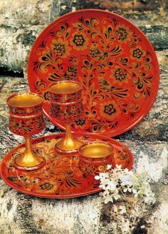 Some wooden dishes with folk Khokhloma painting from Russia. #art #folk #painting #Russian