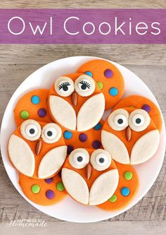 Halloween Baking: Adorable Owl Sugar Cookie Recipe (with fewer calories thanks to MonkFruit - Happiness is Homemade [ad] baking halloween Halloween Cookie Recipes, Halloween Cookies, Halloween Treats, Halloween Stuff, Christmas Cookies, Owl Sugar Cookies, Sugar Cookies Recipe, Halloween Backen, Foundant