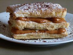Milhojas rellena de dulce de leche Argentina Food, Argentina Recipes, Pan Dulce, Edible Cake, Recipes From Heaven, Cake Cookies, Cupcakes, Let Them Eat Cake, Hot Dog Buns