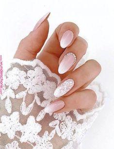 Baby Boomer Nails is the new modern French manicure - living .- Babyboomer Nägel ist die neue moderne French Maniküre – Wohnideen und Dekoration Baby Boomer Nails is the new modern French manicure wedding nail ombre in pink and white gilt accent - French Nails, French Manicure Nails, Nail Art Designs, Stars Nails, Simple Wedding Nails, Pink Wedding Nails, Wedding Manicure, Nail Polish, Modern Nails