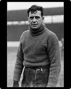 Ted Hufton- goalkeeper for West Ham United. School Football, Football Cards, Football Team, West Ham United Fc, Association Football, Goalkeeper, Poster Size Prints, Old School, Soccer