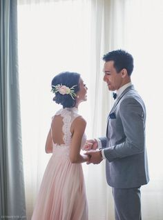 Chinese wedding tea ceremony first look photo