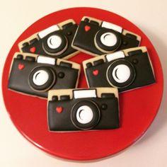 "34 Likes, 5 Comments - Stephanie Darden (@tinytreatsbystephanie) on Instagram: ""Camera cookies ❤️ #tinytreatsbystephanie #cookies #decoratedcookies #cameracookies #conroetexas…"""