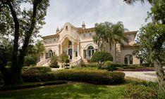 Arquitectura de Casas: Mansión estilo Barroco italiano en Florida.