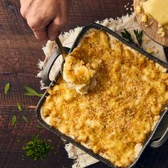 Don& be afraid to dish out a classic this holiday season. When the mild, rich flavor of Vermont Cheddar melts into cavatappi noodles, it& bound to go down in the recipe books. Baked Macaroni Cheese, Creamy Macaroni And Cheese, Entree Recipes, Side Dish Recipes, Cooking Recipes, Vermont, Cheddar, Mac Cheese Recipes, Pasta Recipes