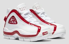 FILA, Barney's and Haus of Jr. have linked up to release a trio of FILA 96 sneakers, formerly known as the Grant Hill II, in old and new colorways exclusively for kids. Mens Fashion Shoes, Sneakers Fashion, Shoes Sneakers, Tenis Retro, Fila Basketball Shoes, King Shoes, Cheap Nike Air Max, Hype Shoes, Fresh Shoes