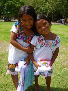 Chichen Itza, Mexico Ninas - Mayan girls, cute.