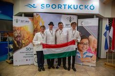30. alkalommal rendezték meg a Nemzetközi Biológia Diákolimpiát, melynek házigazdája ezúttal Szeged volt. A magyar csapat a 73 résztvevő ország közül a második legeredményesebb lett, csak Kína tudott fölénk kerekedni – írja a hvg.hu. A négytagú magyar csapat három hazai iskolát képviselt: Vizkeleti Péter és Búzafalvi Dénes az ELTE Radnóti Miklós Gyakorlóiskola diákjai voltak, Hunyadi … Olympia, City, Cities