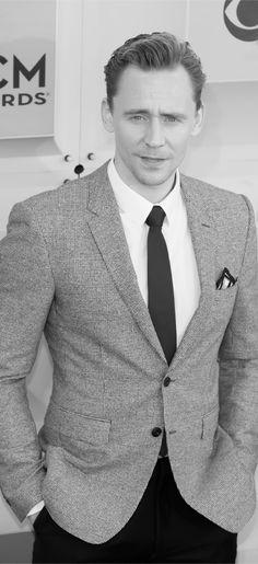 Anglophenia: Personality Quiz: How Well Do You Know Tom Hiddleston?. Link: http://www.bbcamerica.com/anglophenia/2016/04/personality-quiz-how-well-do-you-know-tom-hiddleston