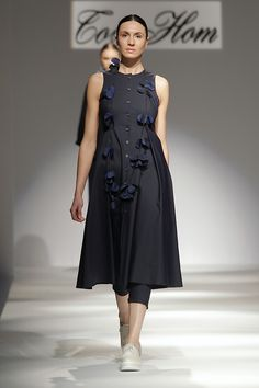 Prêt à Porter - Tot-hom Ss16, Tot Hom, Blouse Designs, Barcelona, Casual Outfits, Cold Shoulder Dress, High Neck Dress, Women's Fashion, Children