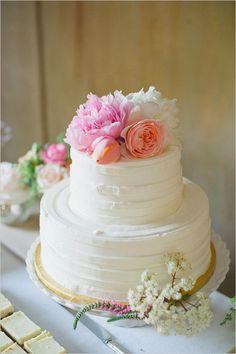 Bright and brilliant wedding cake.